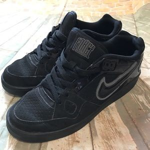 Men's Nike force size8 black like new